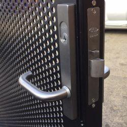 Lockwood 3582 electric gate lock