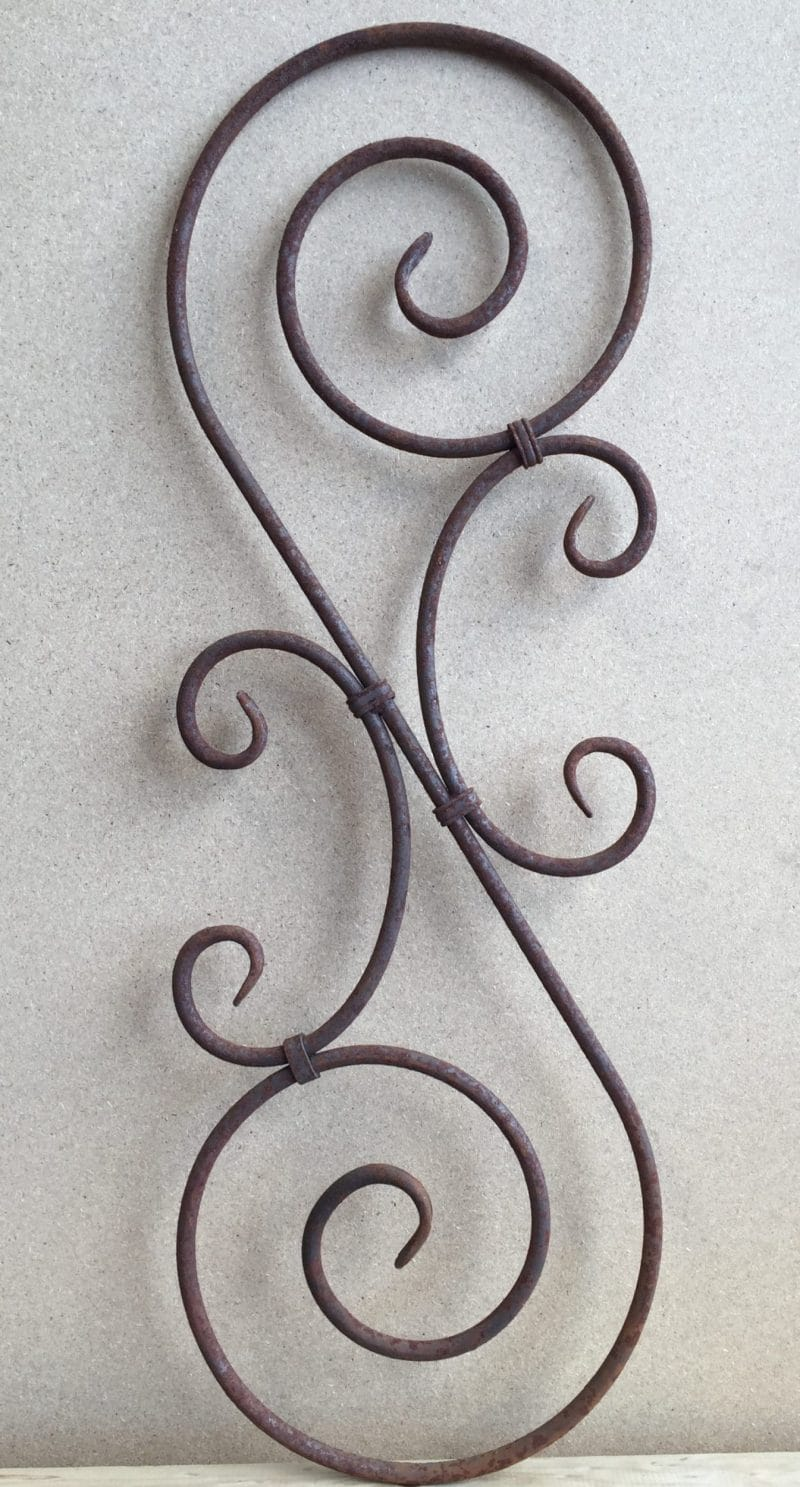SB12 Wrought Iron baluster with round bar