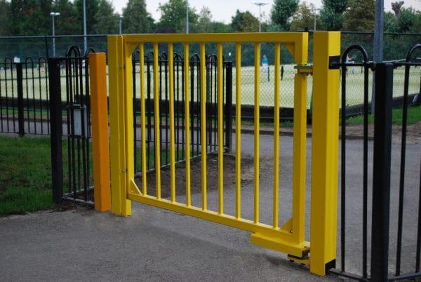 APS hydraulic gate closer